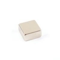 Магниты - квадраты 20-20-10