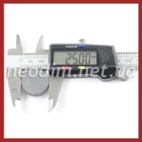 Ферритовый магнит D 25-4 мм, фото 2